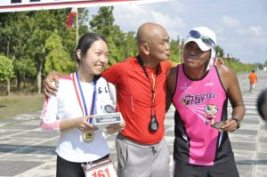 Sweet finish with Bald Runner and Irene Ong, another reason for Puger's victory!
